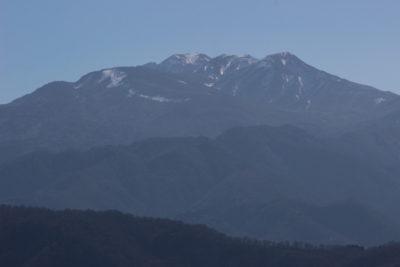笈山より望む白山